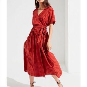 Urban Outfitters Gabrielle Linen midi dress